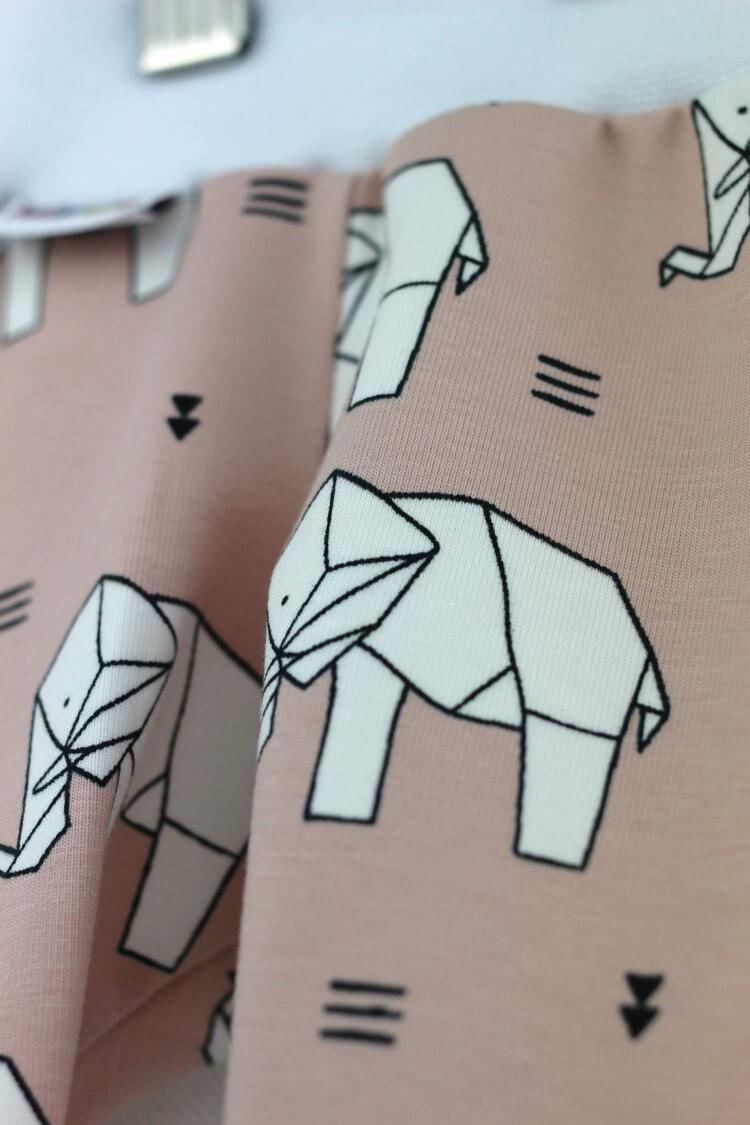 Helenini-Hose-Elefant3